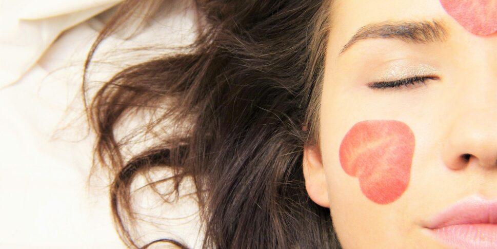 Frau geschminkt